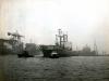 Dockyard V samen met sleepboot Wiltons
